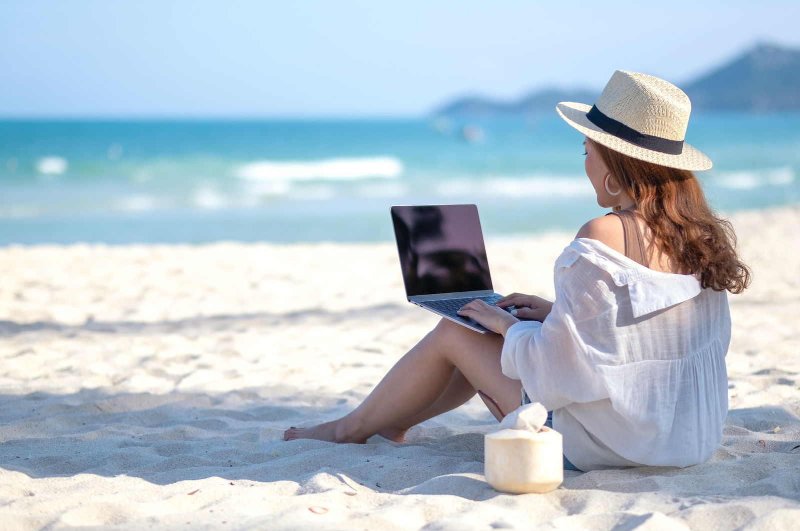 Quick Tips To Effectively Work While Traveling