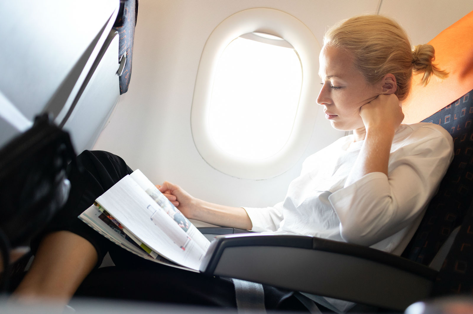 Five Tips to Stay Cool & Comfy On A Long Flight